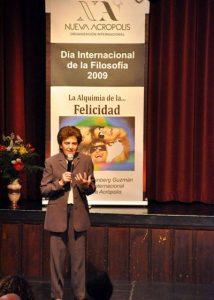 """""""La alquimia de la felicidad"""". Conferencia con motivo del Día Internacional de la Filosofía, a cargo de Delia Steinberg Guzmán, directora internacional de Nueva Acrópolis, en el centro de NA en Madrid."""